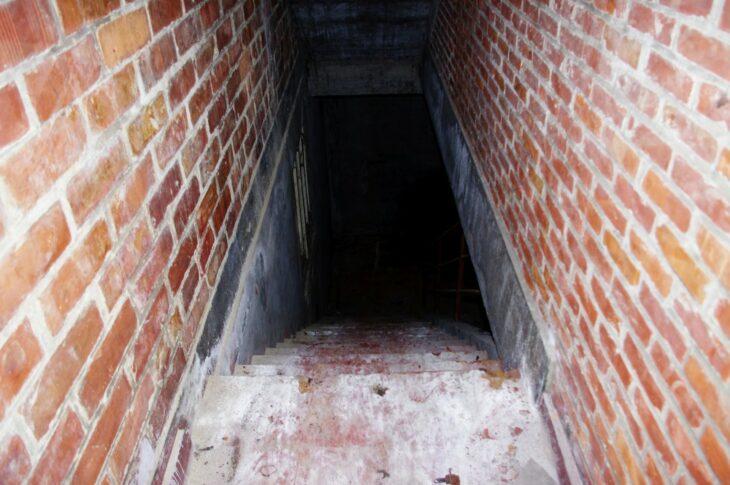 Zugang zu einem Keller